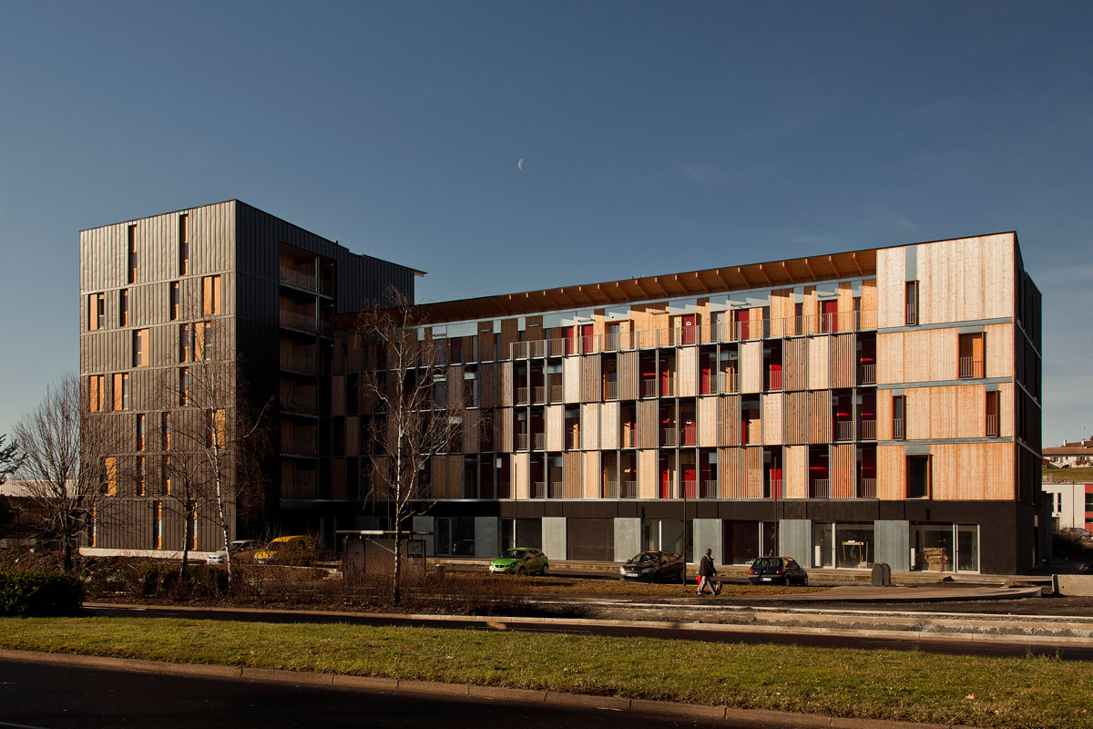 Habitat collectif immeuble de 42 logements vialenc for Prix architecte